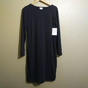 LuLaRoe Solid Black Debbie. NWT. Size Large